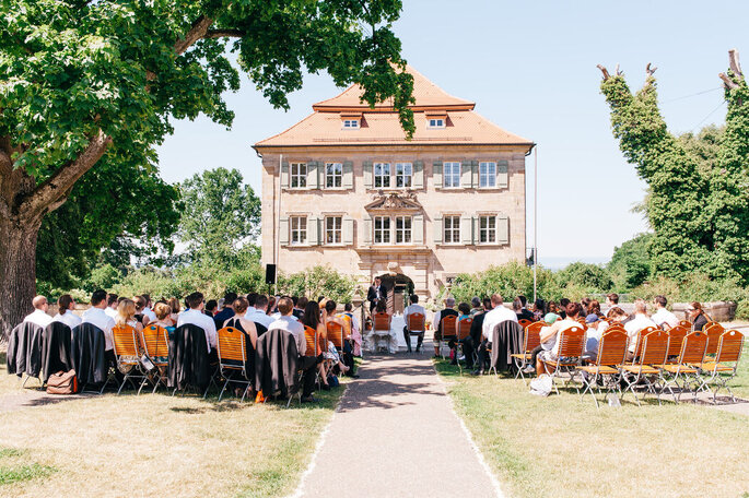 Blick auf die Hochzeitsgesellschaft von Andreas Schaufler.
