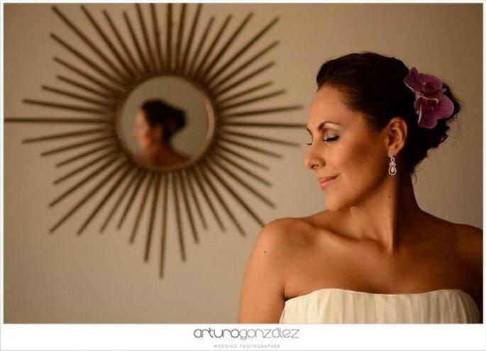 Toma en cuenta el corte y escote de tu vestido de novia - Foto Arturo González