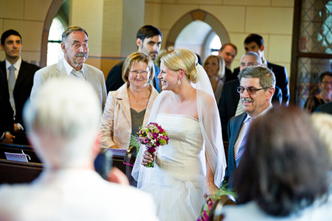 Der fröhliche Gang zum Altar. - Foto: jonpride.com