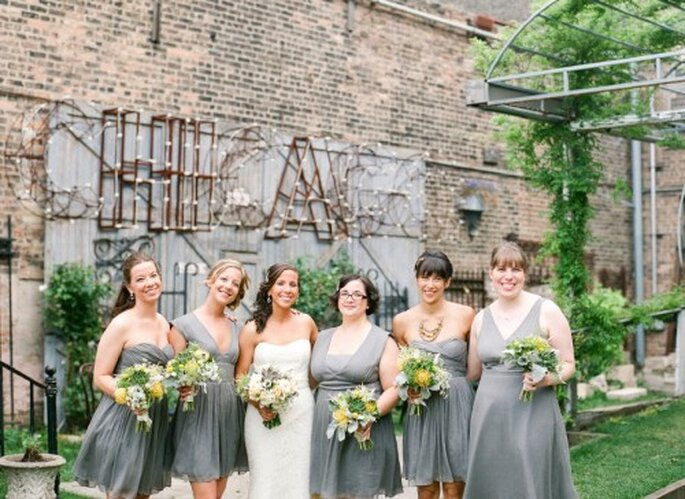 Decoración de jardín estilo industrial para boda. Fotografía Jeny Lynne