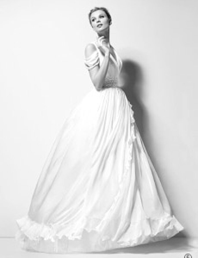Karl Lagerfeld 2010 - Xanthe, vestido largo bordado en gasa de seda, de talle alto, escote en V, doble tirante