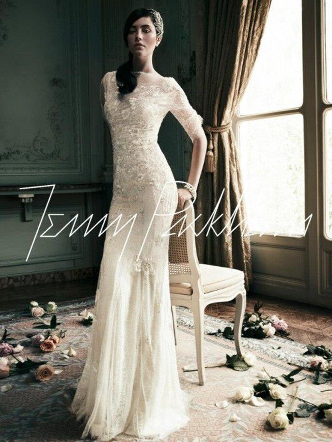 Vestido de novia con encaje y pedrería estilo vintage - Foto Jenny Packham Facebook