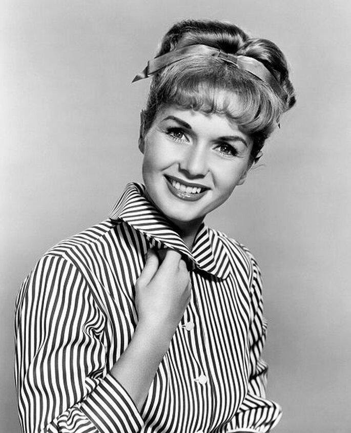 Debbie Reynolds y su delicado peinado