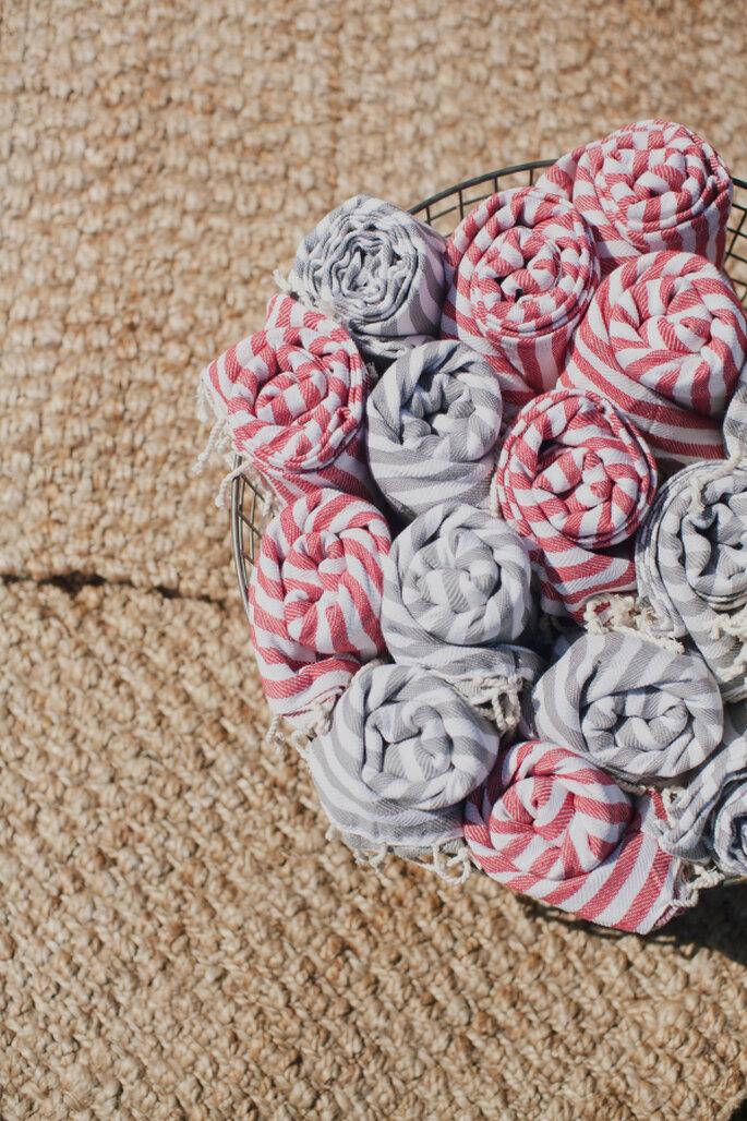 decoración con patrón a rayas - Our Labor Of Love