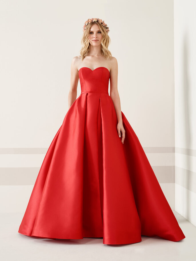 Vestido de fiesta rojo corte princesa
