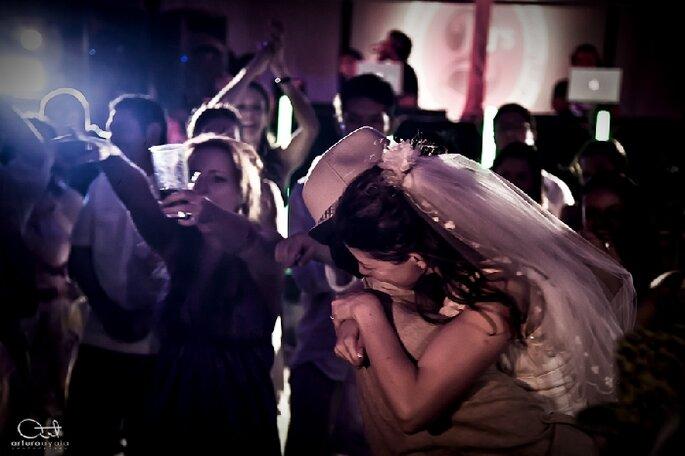 La bodas de otoño son ideales para usar sombreros. Foto de Arturo Ayala