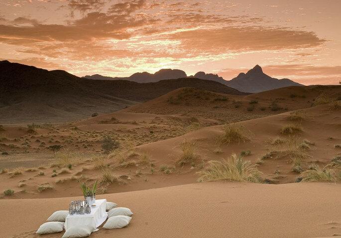 3L World - una cena a lume di candela nel deserto