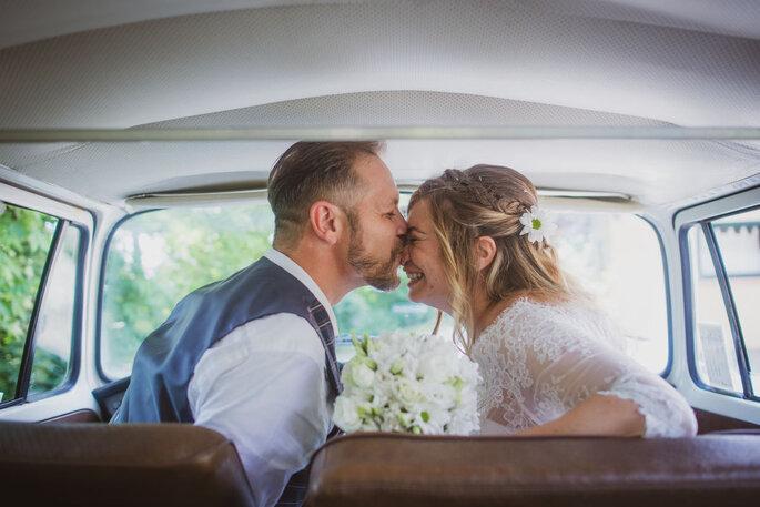 Bacio dolce da marito e moglie