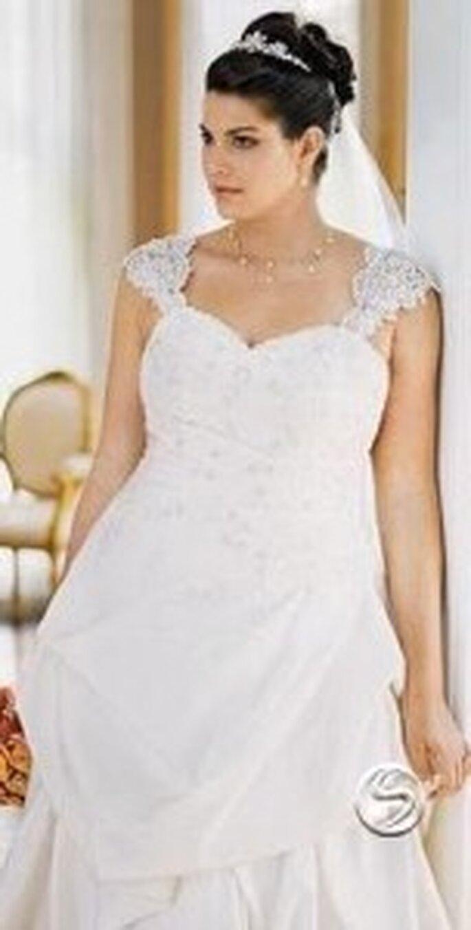 No temas usar un vestido blanco, si eliges bien seguro te verás hermosa