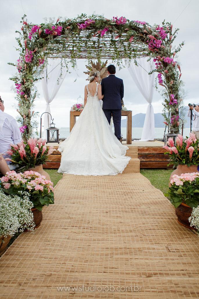 Vestido de causa em casamento na praia