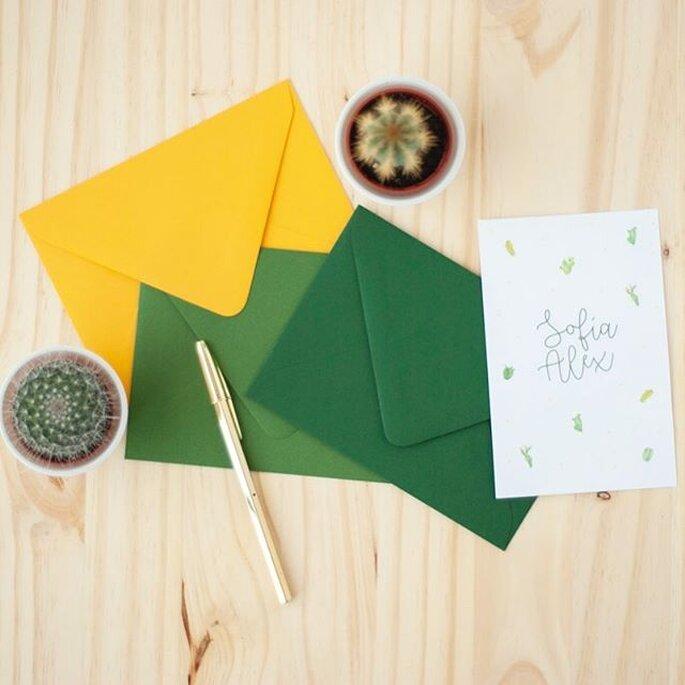Tarjeta de boda en colores vibrantes