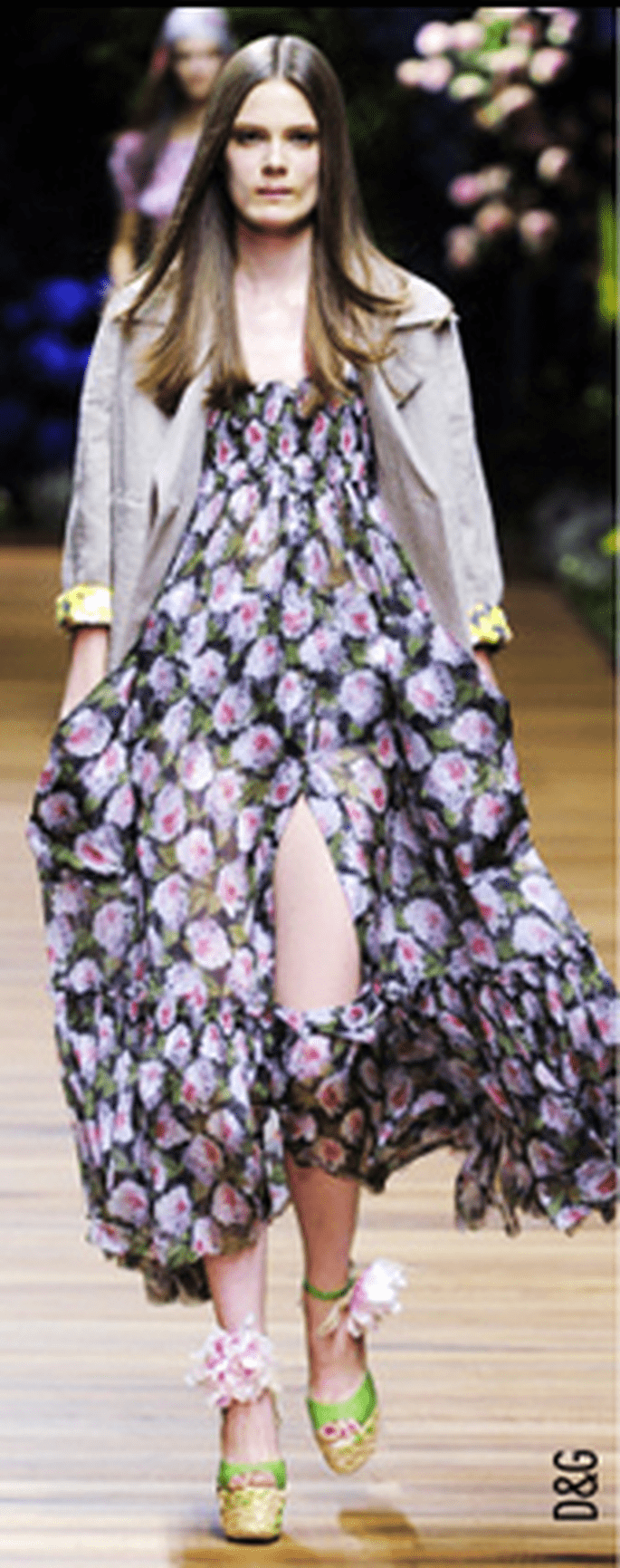 Maxi tuniche floreali rubate agli anni Settanta