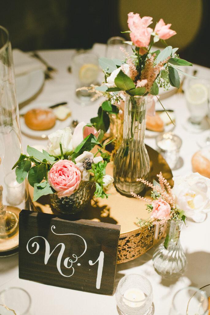Numera las mesas del banquete con todo el estilo la for Mesas de bodas
