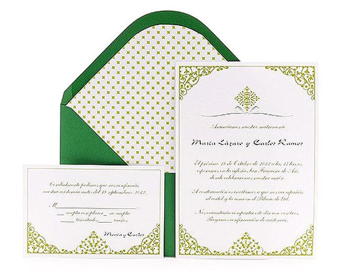 Partecipazione di nozze con busta verde e stile moresco. Azulsahara