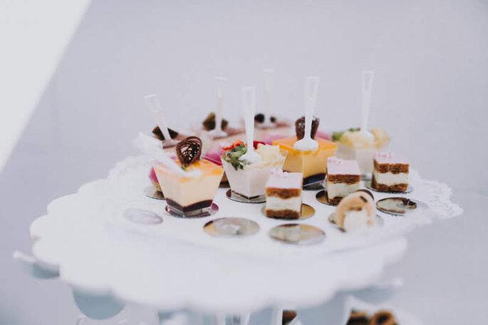 Bunte Desserts bei der Hochzeit von Elena & Ralf im Schloss Meggenhorn.