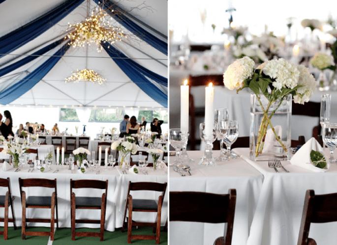 Decoración de boda en colores azul y dorado. Fotografía Jen Lynne