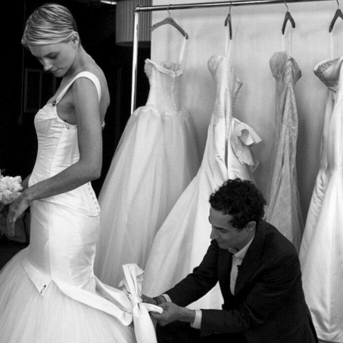 Zac Posen trabaja en su nueva línea de vestidos de novia para David's Bridal - Foto Zac Posen Instagram