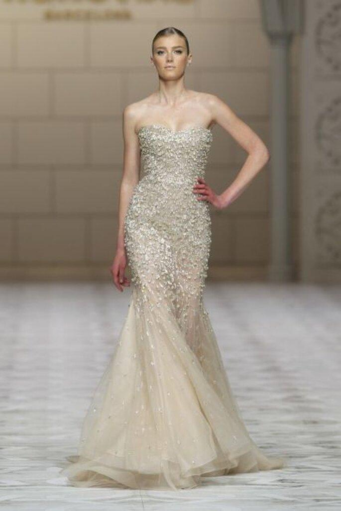 Los vestidos de novia de color son una de las tendencias innovadoras de la la colección Pronovias 2015