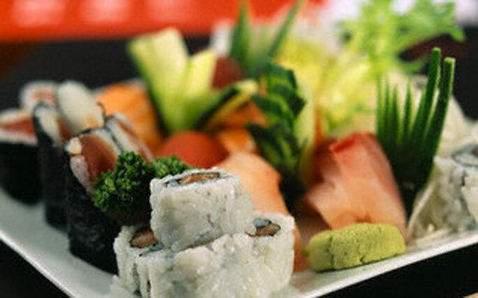 Lassen Sie sich einen Sushi-Kurs zur Hochzeit schenken