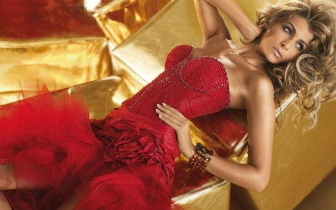 Linea di abiti da sposa rosso fuoco per Alessandro Couture