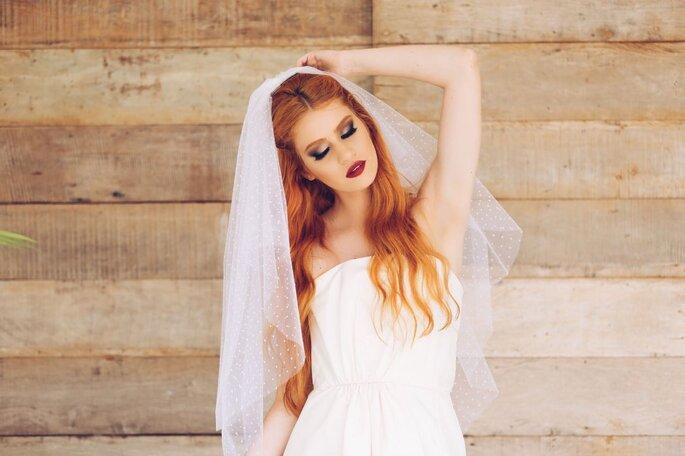 Véu de noiva com poás