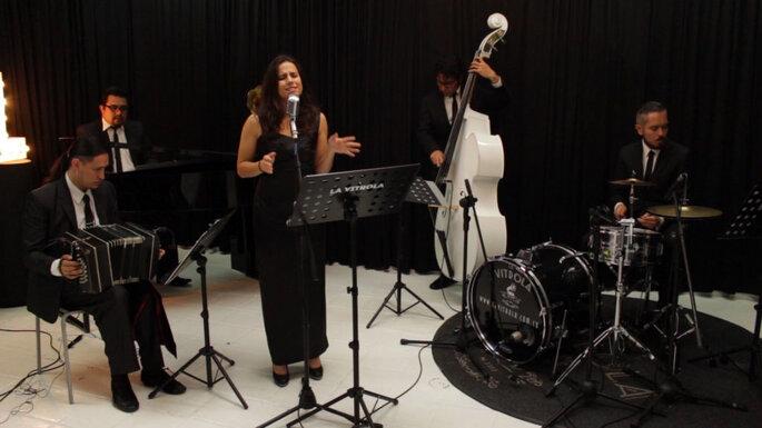 La Vitrola Música