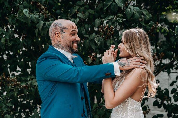 Brautpaar Spass machend