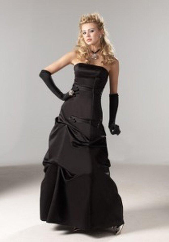 Tomy Mariage 2009 - Marion - Robe longue à décolleté droit. Jupe drapée