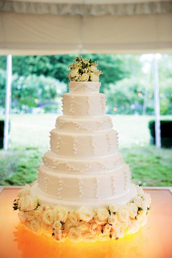 Cómo elegir un elegante pastel de bodas - Foto Mario Testino