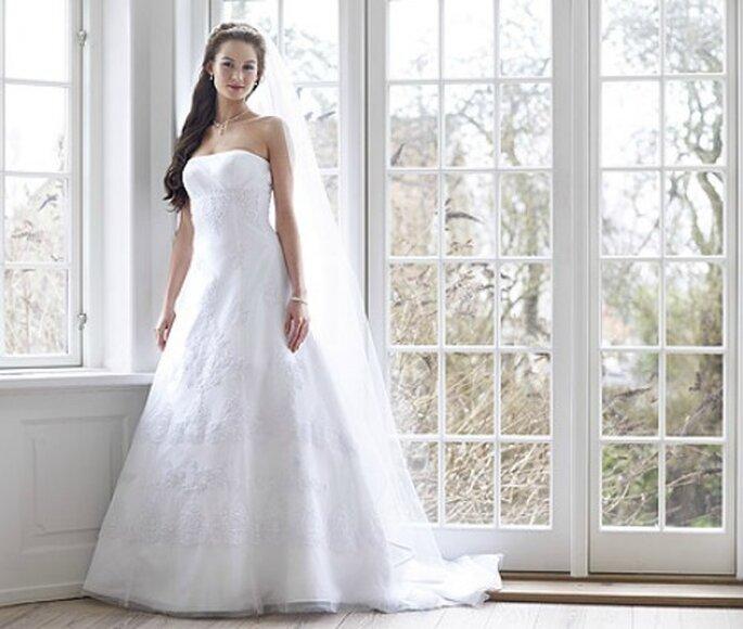 Modell 08-3116-WH von Lilly aus der Kollektion 2012 Pure White. Preis: EUR 950,00.