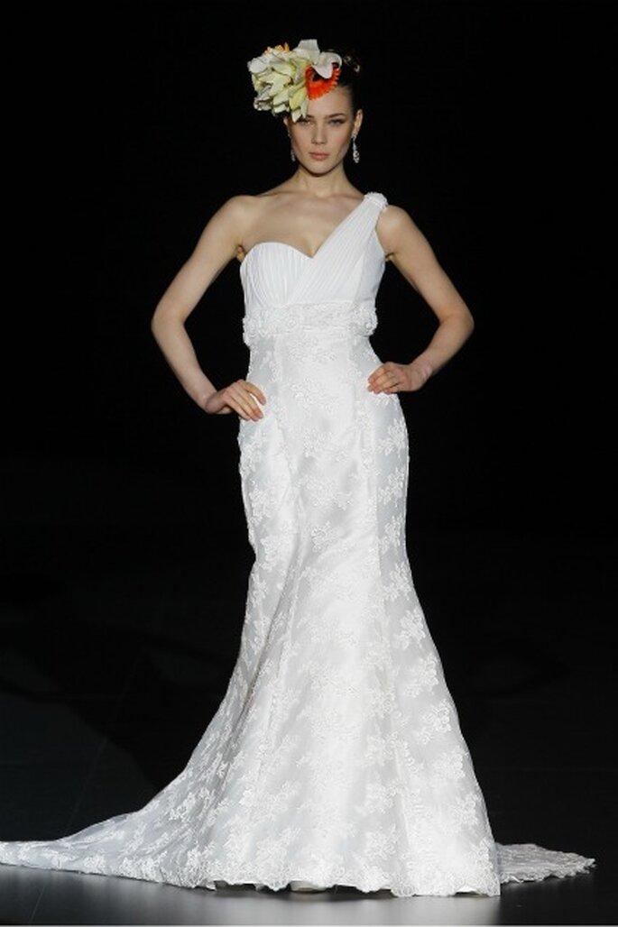 Huele a primavera en los vestidos de novia Ana Torres 2012 - Ugo Camera / Ifema