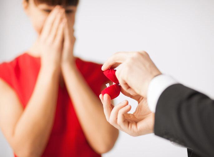 Consejos para que tu novio te dé el anillo de compromiso que quieres - Syda Productions en Shutterstock