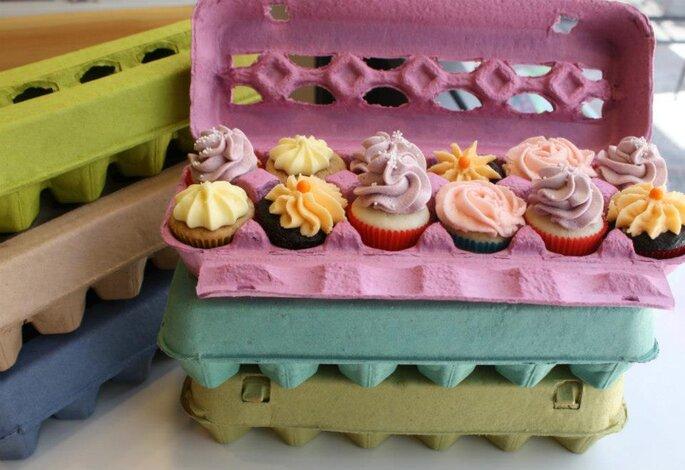 Coloridos cupcakes en cajas de huevos recicladas. Foto: Ika Perez