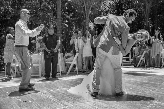 Su primer baile lucirá perfecto en las fotos de su boda - Foto Arturo Ayala