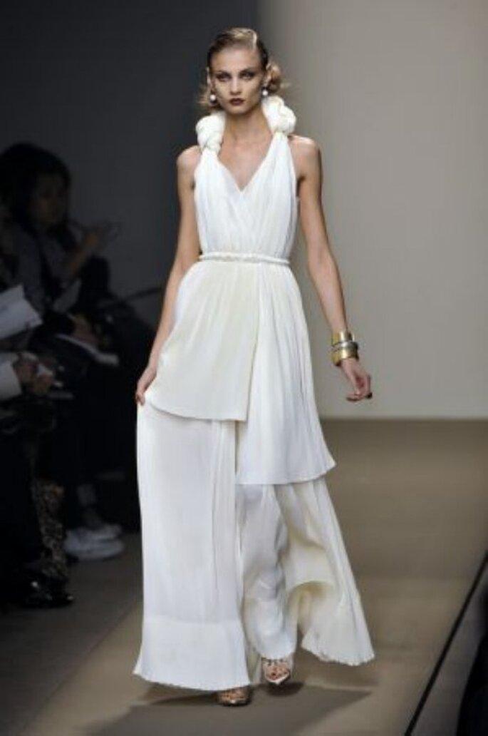 Un originalissimo abito da sposa di Bottega Veneta