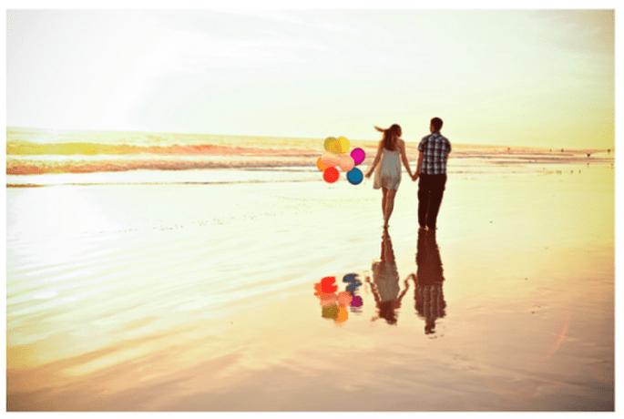 Tout votre amour dans une délicieuse promenade sur la plage - Photo Kate Noelle Photography