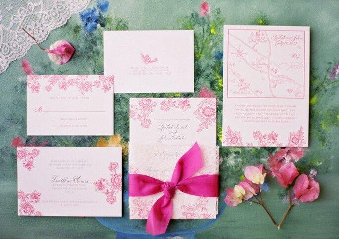 Los mejores acentos en color rosa para tu boda - Foto Jose Villa Photography