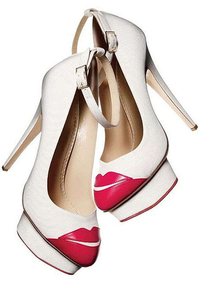 zapato de novia 'Kiss me', de Charlotte Olympia. Foto: Charlotte Olympia