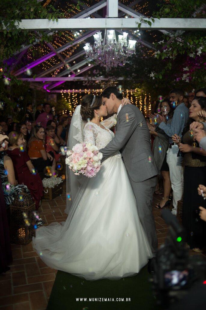 beijo casamento rustico RJ