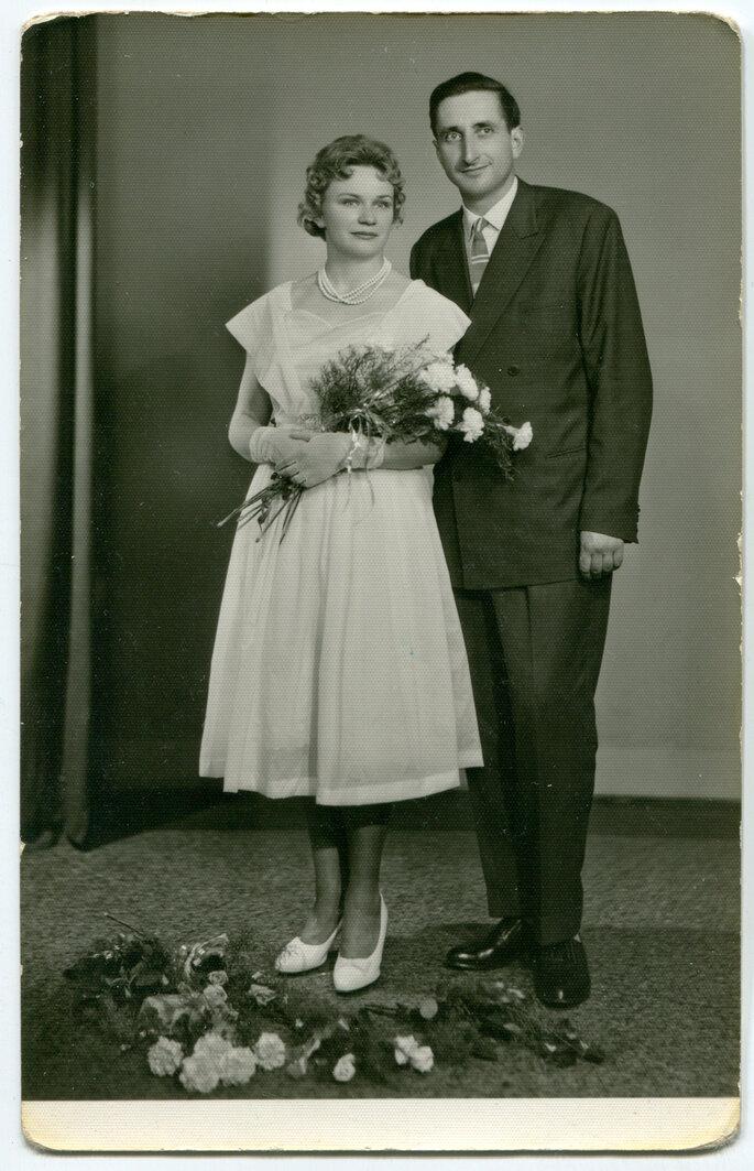 Imagen de recién casados en los 50. Foto: Elzbieta Sekowska