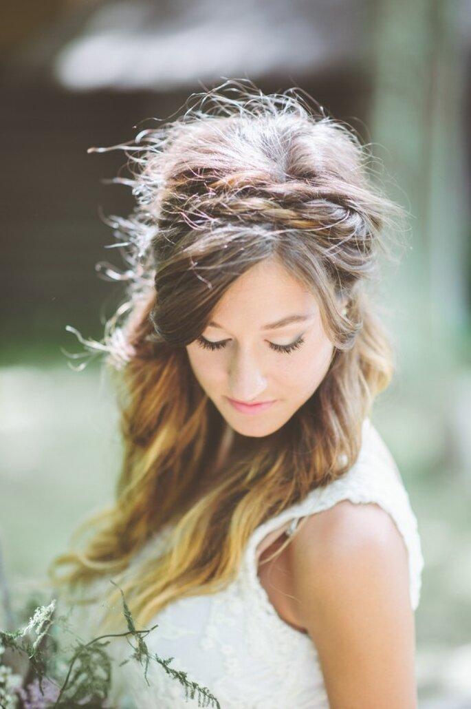 Estilos casuales como tendencia en los peinados de novia 2015 - Foto Paper Antler