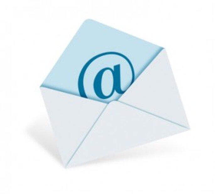 Manda las invitaciones de boda por email