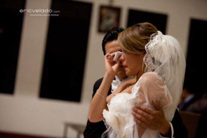 Romantischer Augenblick, in dem eine Träne kullert - Eric Velado