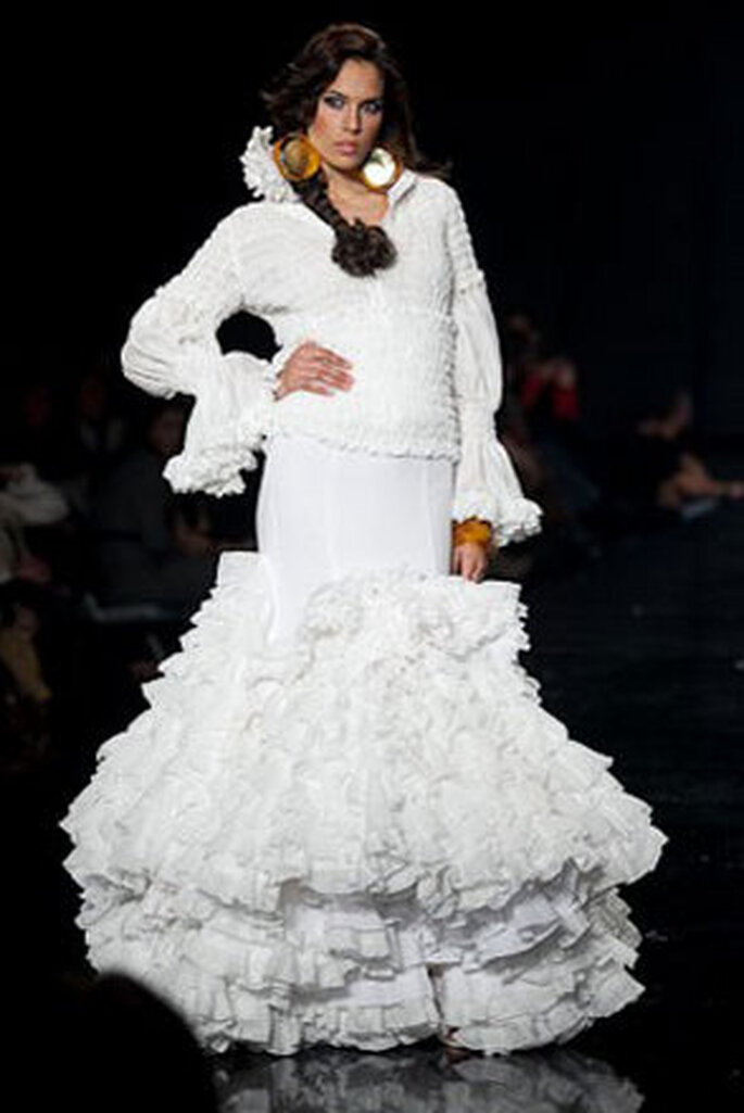 Robe de mariée dans le style Flamenco, pour un mariage d'hiver