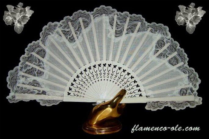 Abanico con encaje- Foto: Flamenco olé