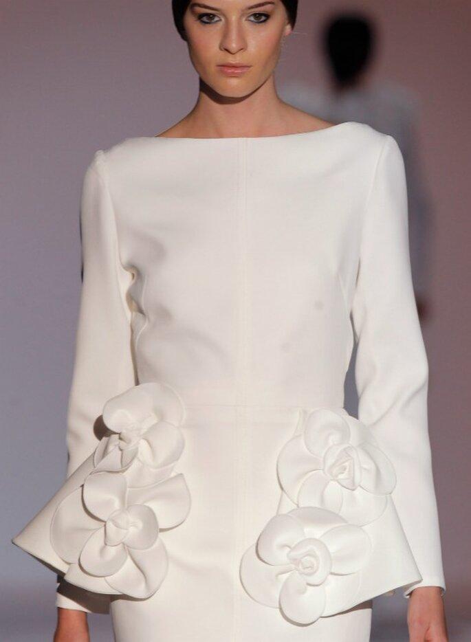 Свадебное платье с воланами от Juana Martín. Foto: Barcelona Bridal Week