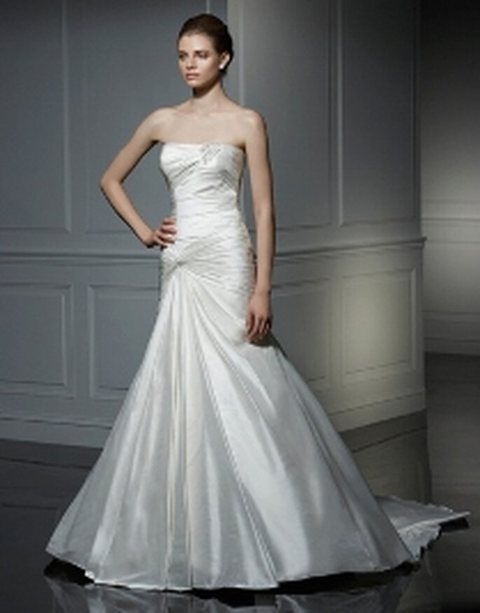 Vestido en satén, palabra de honor - Anjolique 2009