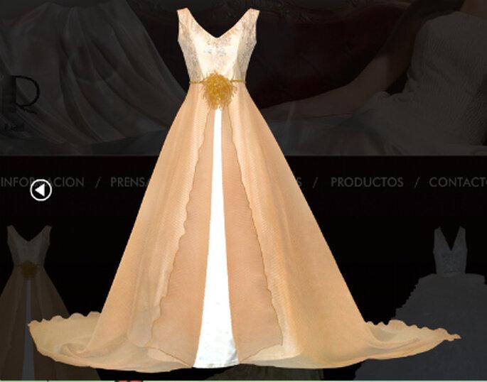 Estupendo vestido en marfil y oro para una boda dorada