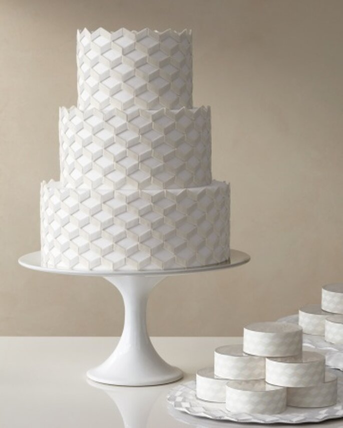 Kunstvolle Hochzeitstorte, Foto: Martha Stewart Weddings