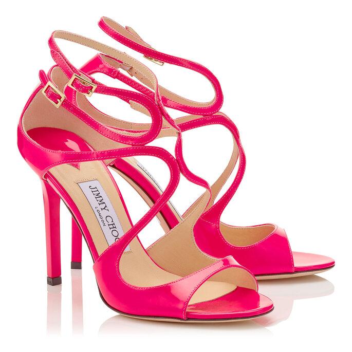 Zapatos de novia de color rosa endencido